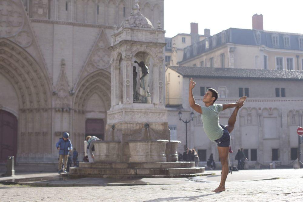 Elad Itzkin Yoga Photography - Carlos Sanchespinoza - 7700