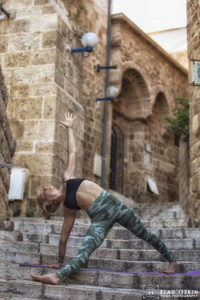 Elad Itzkin Yoga Photography - Kim Bassen and Eyal Mayer - ELAD4435