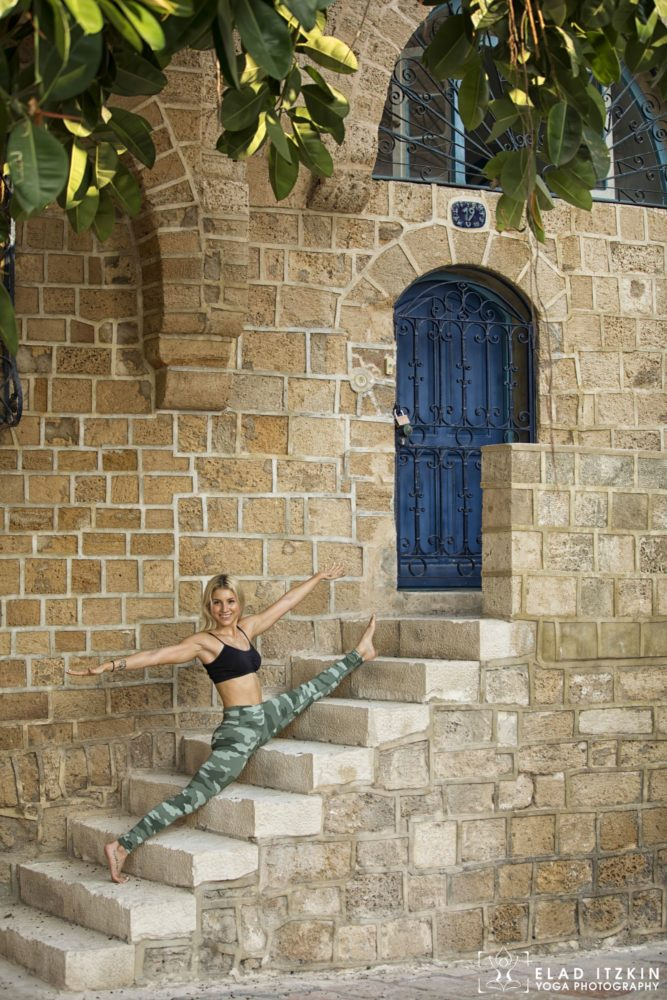 Elad Itzkin Yoga Photography - Kim Bassen and Eyal Mayer - ELAD4542
