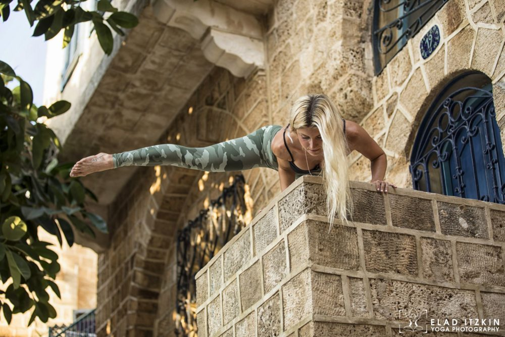 Elad Itzkin Yoga Photography - Kim Bassen and Eyal Mayer - ELAD4560