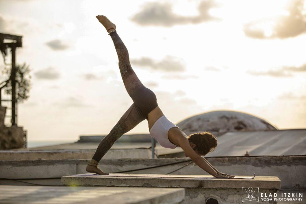 Elad Itzkin Yoga Photography - Kim Bassen and Eyal Mayer - ELAD4594