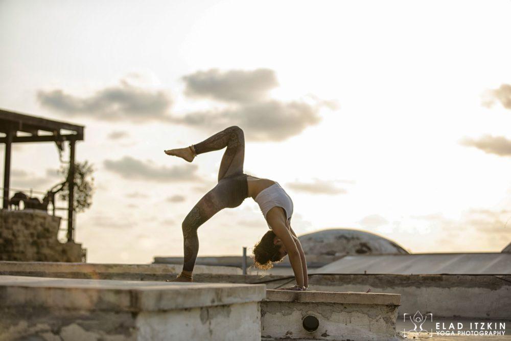 Elad Itzkin Yoga Photography - Kim Bassen and Eyal Mayer - ELAD4636