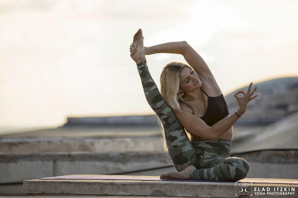 Elad Itzkin Yoga Photography - Kim Bassen and Eyal Mayer - ELAD4662